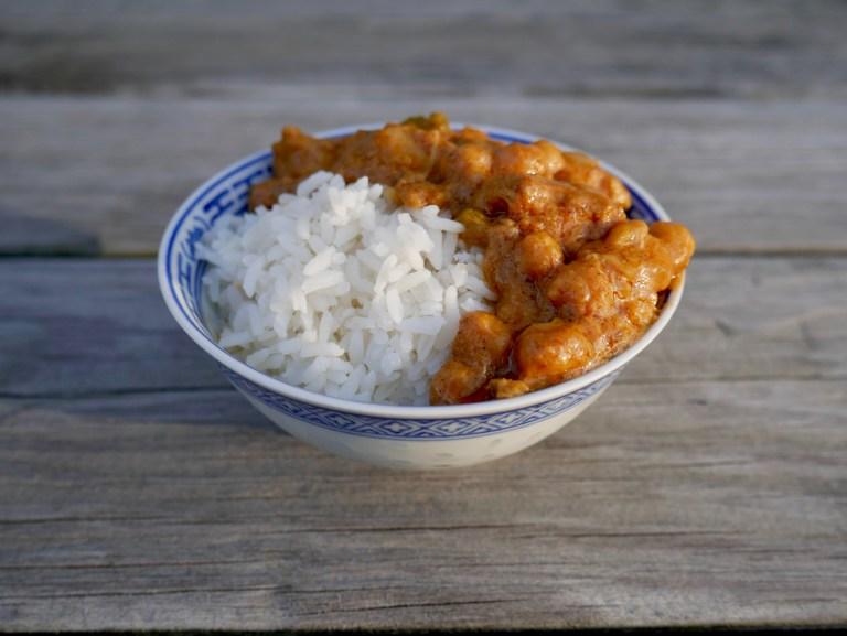 cashew-chicken-chickpea-curry