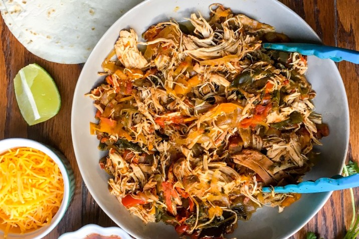 Easy Crockpot Chicken Fajitas