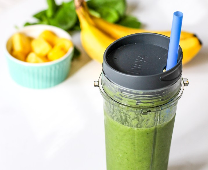 Detox Green Smoothie with Chia Seeds