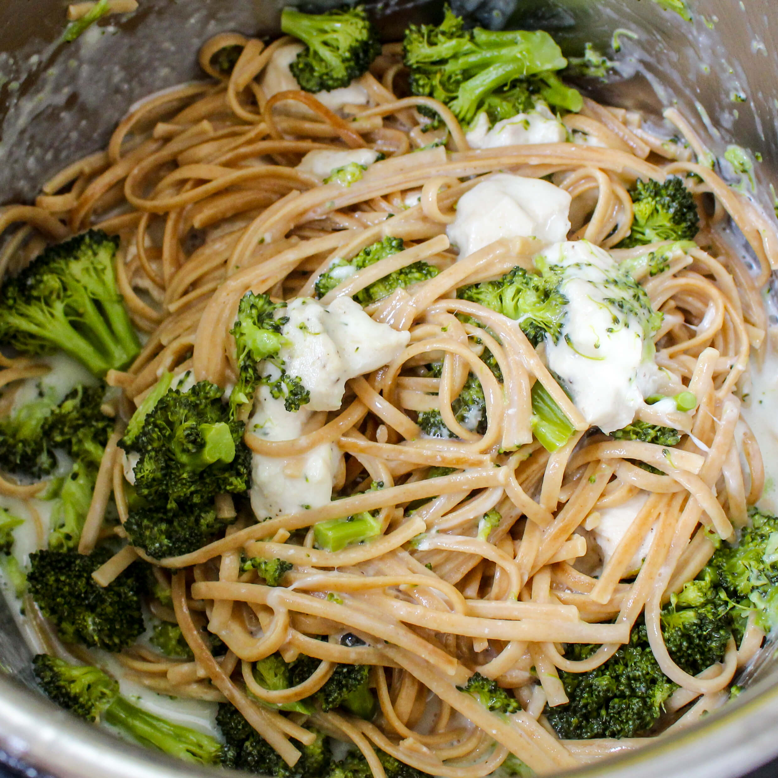 Instant Pot Chicken Broccoli Alfredo
