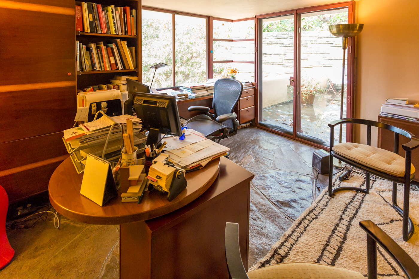 Guest house office space