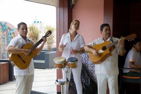 Musicians at Hotel Ambos Mundos