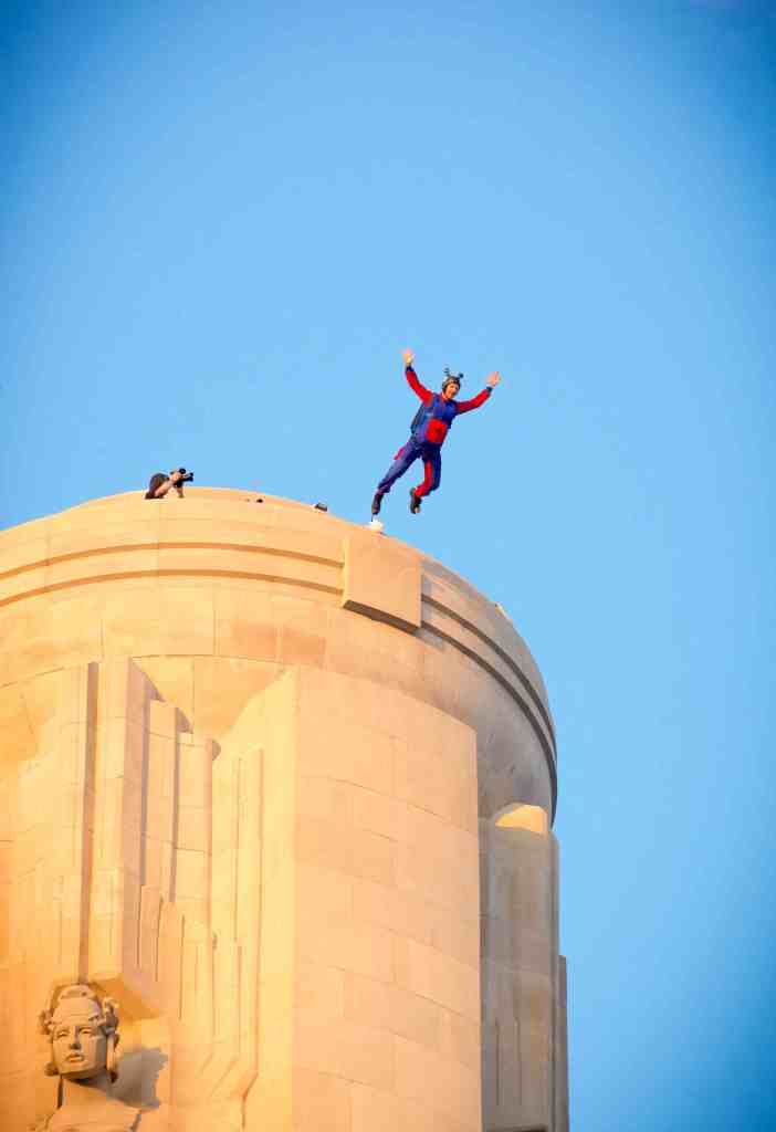 Alastair Macartney performs a BASE Jump from WW1 Museum Liberty Tower-Exit