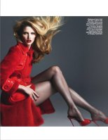 Lara-Stone-Vogue-Magazine-Paris-March-2014_006