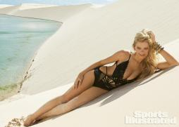 Valerie-Van-Der-Graaf-2014-SI-Swimsuit-Issue_007