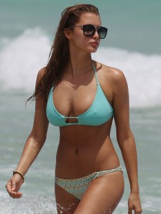 Alyssa-Arce-Boobs-in-a-Bikini-on-Miami-Beach-08