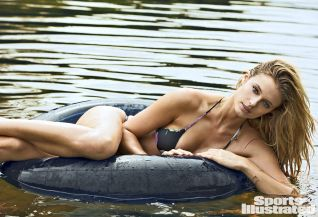 Kate-Bock-2015-SI-Swimsuit-Issue_003