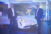 Nuevo Porsche 100
