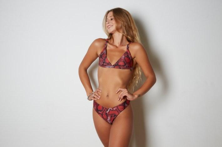 Shein: Bañador bikini cortado alto con aro con estampado de piel de serpiente