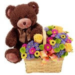 Arreglo floral Bear Basket. Floristería ALMA FLORAL Bogotá