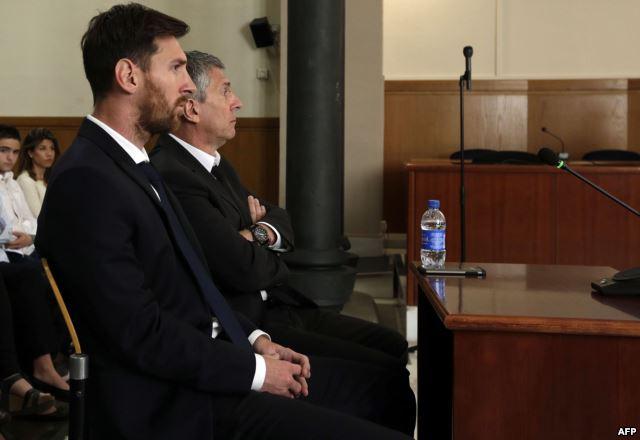 ليونيل ميسي يدفع عن نفسه تهمة التهرب الضريبي في المحكمة + صور