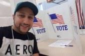 المطرب الداودي يصوت على الرئيس الجديد للولايات المتحدة الأمريكية + صور