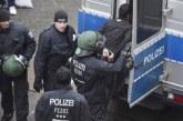 توقيف 3 أشخاص متورطين في إضرام نار بمركز للاجئين بألمانيا