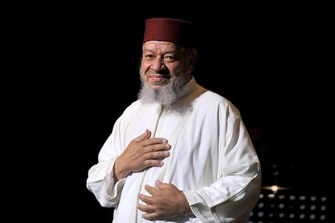 هجوم على الفنان المغربي عبد الهادي بلخياط داخل مسجد بالبيضاء