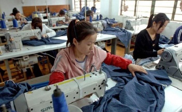 """""""مافيا"""" المنسوجات الصينية تغرق الأسواق وتهدد الاقتصاد المغربي"""