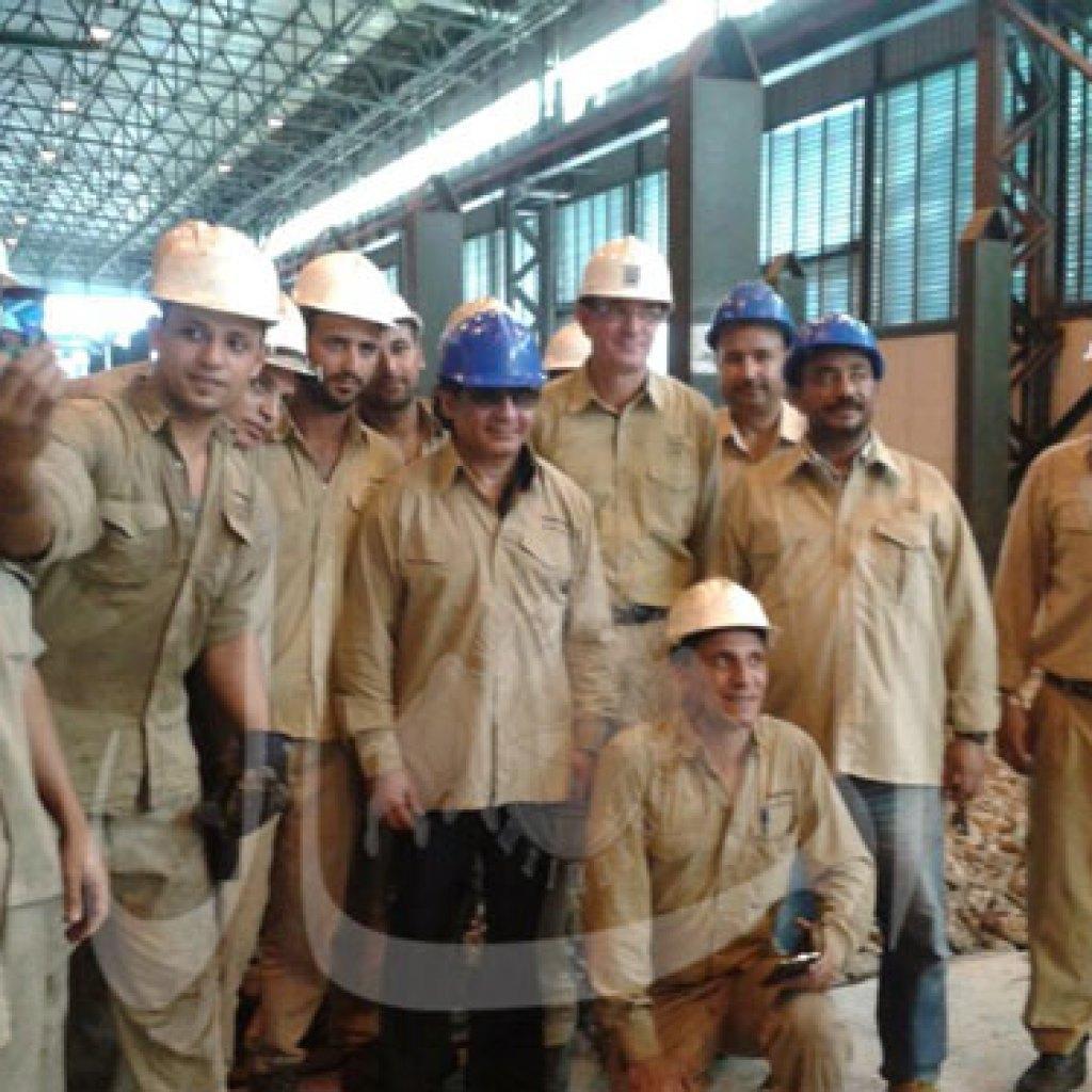 جولة أحمد عز فى مصنع الحديد بالسويس