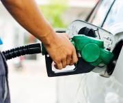 محافظ مطروح يوجه بمتابعة محطات الوقود للالتزام بالتسعيرة الجديدة
