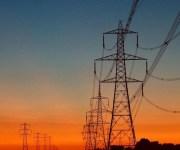 مصر تدرس رفع قدرات خط الربط الكهربائى مع الأردن