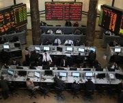 مستثمرو البورصة المصرية يستمدون تفاؤلهم من الخفض المتوقع للفائدة
