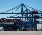 تخصيص رصيفين جديدين بميناء دمياط لتداول الحاويات