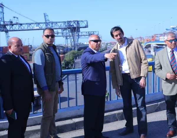 وزير النقل يتفقد عددا من المشروعات في ميناء الأسكندرية