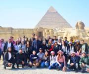 وفد من أبناء المصريين بالخارج يزور أهرامات الجيزة والمتحف المصري بالتحرير (صور)