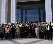مدبولي يتفقد مجلسي الوزراء والنواب في العاصمة الإدارية