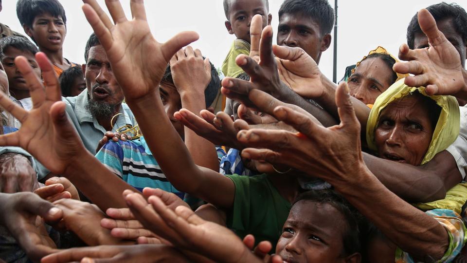 topshot-bangladesh-myanmar-unrest-refugee_7b969f84-8e61-11e7-b1bc-83ce932a2009