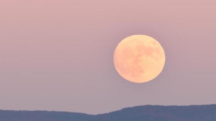 Moon Syria
