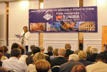 The International Federation of journalists and writers in tourism honours the Tunisian Minister of tourism salma ạllwmy
