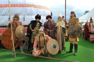 День национального костюма, Муслим Жумагалиев, культурное достояние, наследие предков, этнический костюм, Алматинская палата ремесел, ремесленники, казахское ремесло, сувениры из Казахстана