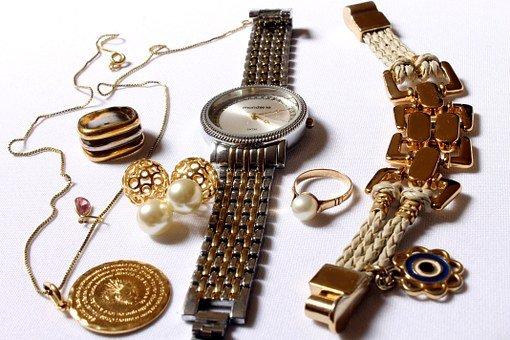 ماركات الساعات النسائية في السعودية 2022