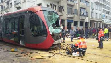 """Photo of صدام بين """"ترامواي البيضاء"""" وشاحنة يخلف إصابات وخسائر"""