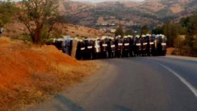 محاصرة مظاهرة بالريف