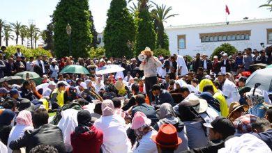 Photo of الأساتذة المتعاقدون يعلقون إضرابهم ويتشبثون بمطلب الإدماج الوظيفي