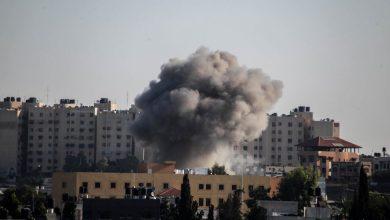 Photo of القصف الإسرائيلي مستمر على غزة وعريقات يطالب بترسيخ استقلال فلسطين وسيادتها على حدود 67