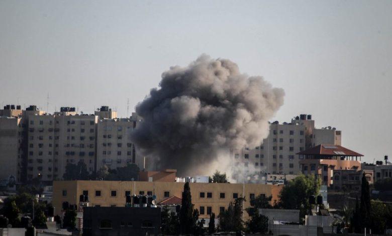 القصف الإسرائيلي مستمر على غزة وعريقات يطالب بترسيخ استقلال فلسطين وسيادتها على حدود 1967