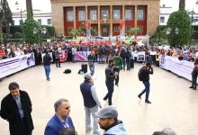 Photo of ماتسدش داري .. اصحاب البيوت المشمعة يحتجون أمام البرلمان