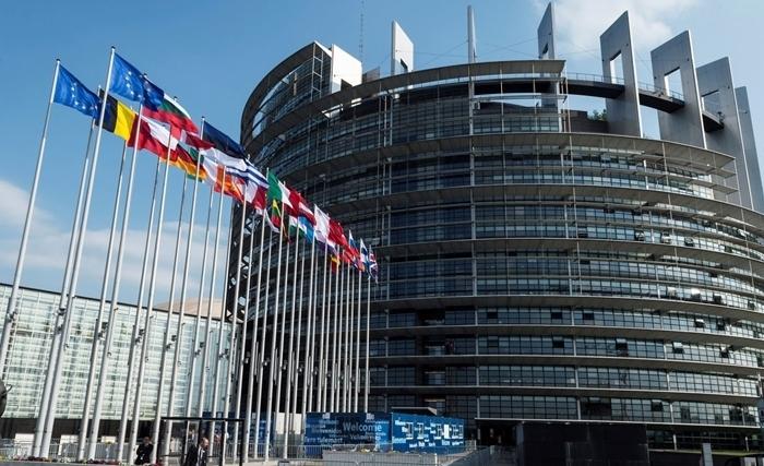 المفوضية الأوروبية: وباء كوفيد-19 يمثل صدمة كبرى بالنسبة للاقتصاد العالمي واقتصاد الاتحاد الأوروبي
