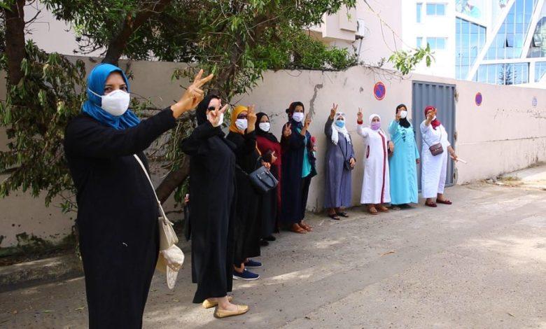 عاملات شركة خياطة بالبيضاء يطالبن بتعويضات عن فقدان الشغل و اتهامات بالنصب