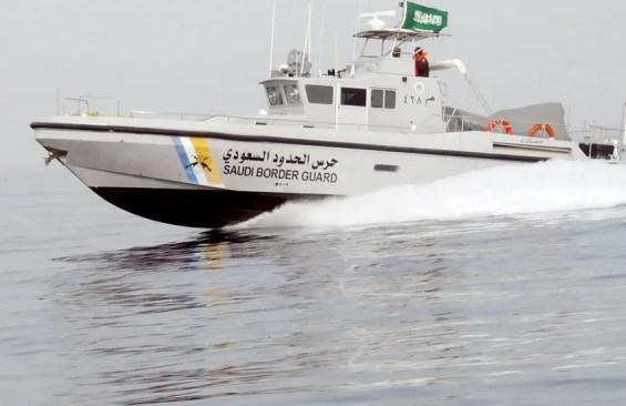 حرس الحدود بقطاع الخفجي ينقذ مواطنًا كويتيًا تعطل قاربه في المياه ...