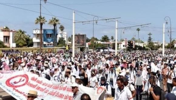 الأساتذة المتعاقدون يمددون إضرابهم عن العمل للأسبوع الثالث على التوالي