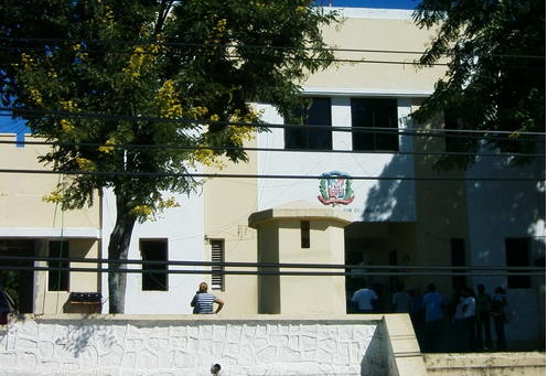 BANI: Detienen oficial EN por masturbarse frente a menor