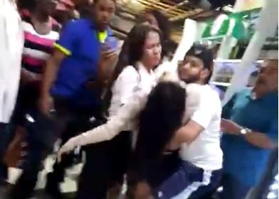 Heridos y lesionados durante asalto a sucursal bancaria; informan se llevaron 3.7 millones de pesos y 25 mil dólares