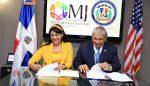 Ministerio de la Juventud otorga becas a hijos de dominicanos en Nueva York