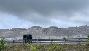 Aseguran  montañas de cenizas se duplican junto a planta Punta Catalina