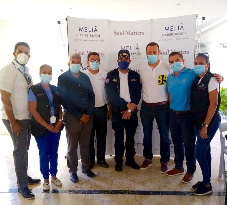 Meliá Hotels comienza a vacunar a sus 2.200 trabajadores en Punta Cana