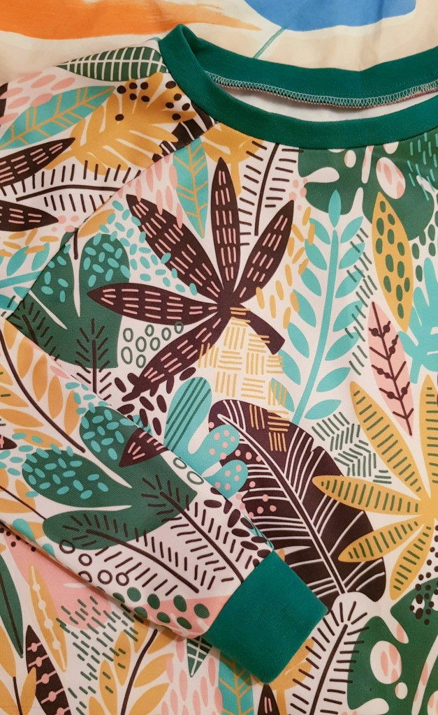 Almond rock, fabric printing, wow fabrics, custom fabric, palm leaf, tropical, botanical, sewing, dressmaking, crafts, simple sew patterns, sweatshirt, jumper,sweater,loopback,Terry,sweatshirting,ribbing,cuff,overlocker