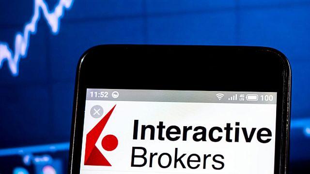 شركة إنتراكتيف بروكرز interactive brokers  توفر خدمات تداول العملات الرقمية