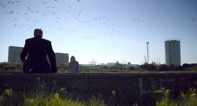 Jonny Lee Miller and Ewan McGregor in Leith in the film T2 Trainspotting (2017)